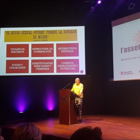 """Octavio Salazar dando una conferencia en el acto de Departament del Treball """"Setge a l'Assetjament"""""""